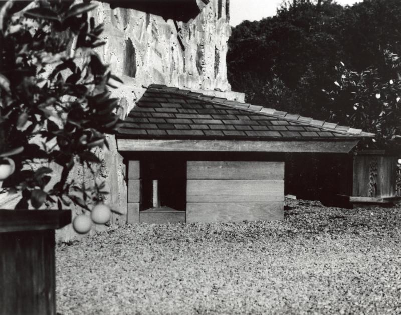 2012-02-14-Bergerdoghouse