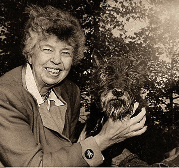 Eleanor_Roosevelt_with_Fala_2